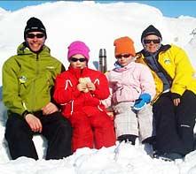 Nicklas, Linn, Tove och Susanna Karlevill i Loftsdalen vintern 2009